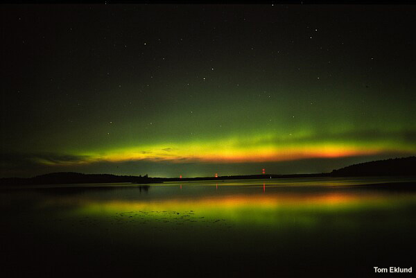 Green aurora with deep red lower fringe